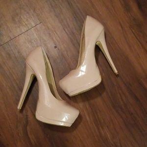 Shoedazzle nude stilettos size 9